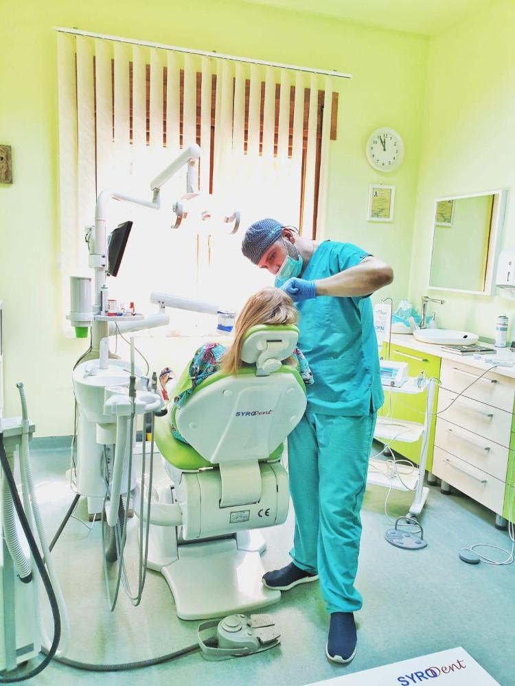 Dr. Adel Abboud - Stomatologie Generală, Chirurgie dentară, Implantologie - Syrodent București