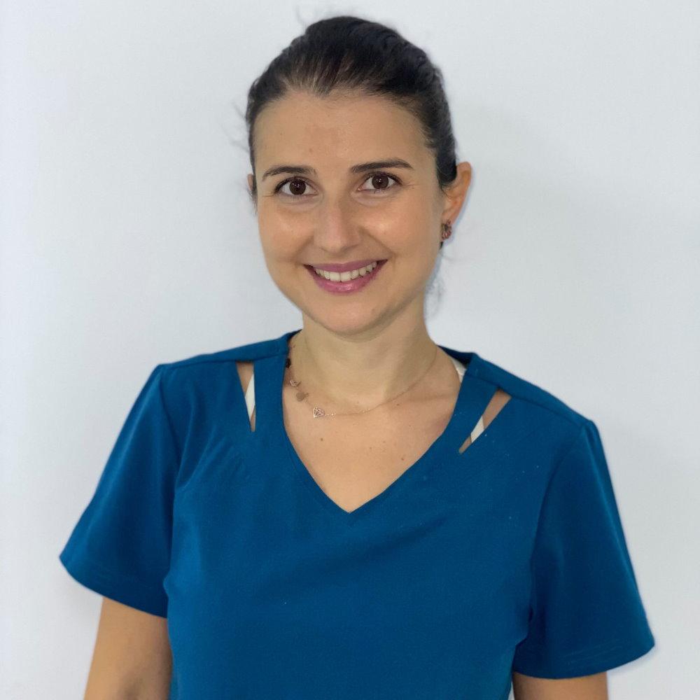 Dr. Chitescu Cristina Camelia - Medic specialist ortodont